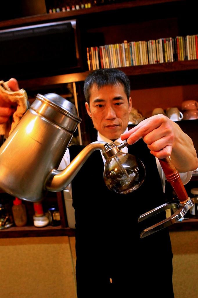 老舗喫茶店マスター 秋田俊哉さん